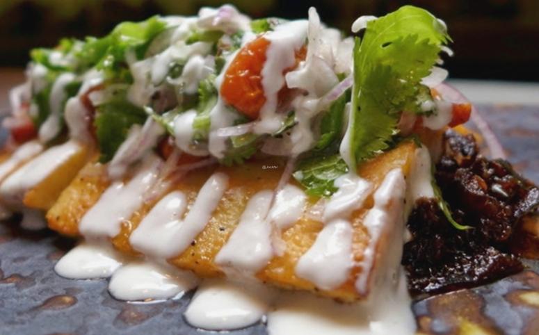 Halloumi-Auberginensalat mit Joghurt-dressing