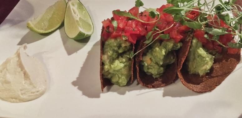 Rohkost-Tacos-Guacamole