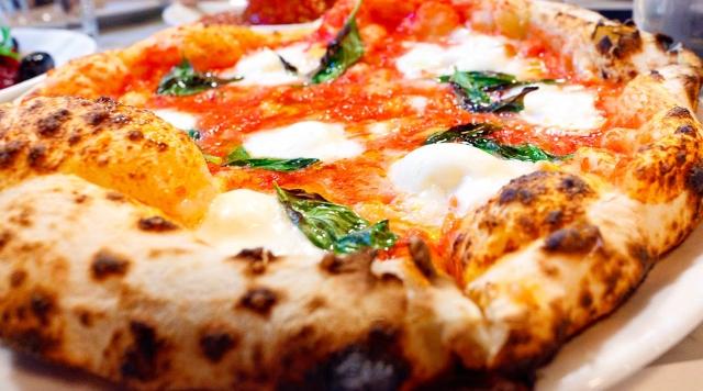 Tomato, Büffelmozzarella, Basilikum