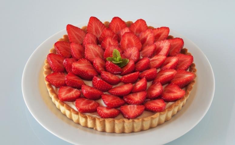 Mandelcreme-Tarte mit Erdbeere