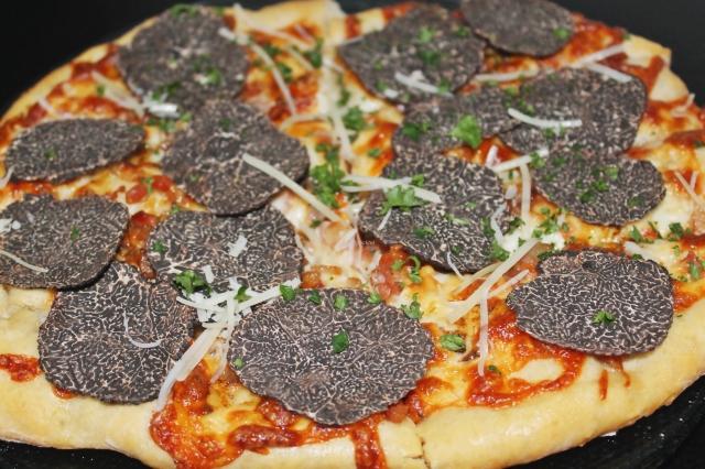 Pizza mit Perigord