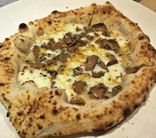 Pizza-Trüffel, puristisch