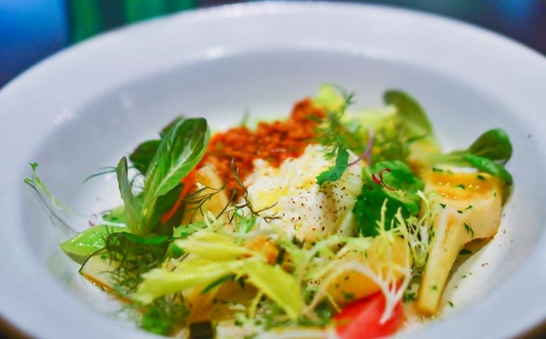 Salat  mit Buratta