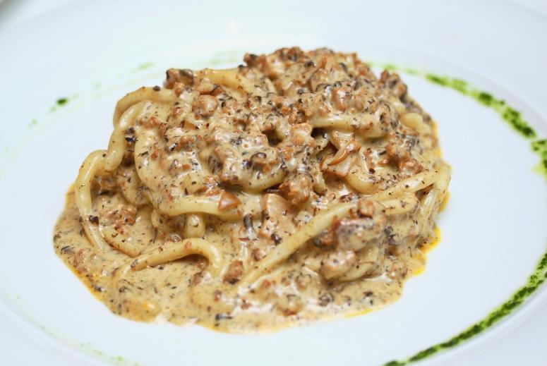 Pasta mit Pfifferling-Trüffelsauce