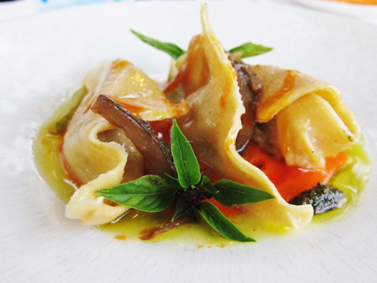 Maxi-Tortelloni mit Ratatouille
