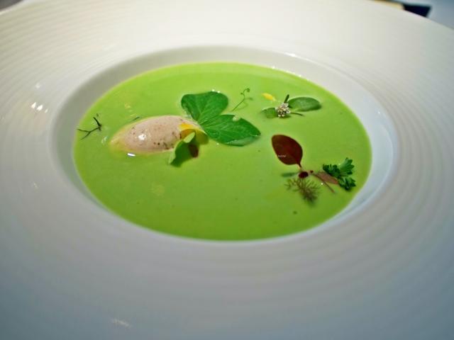 gruene-suppe-mit-suesser-senfeis